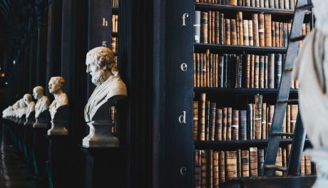 Biblioteca Central Universitară Carol I din București este prima bibliotecă din România care acceptă plăţi online