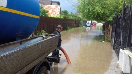 Zeci de gospodării sub ape în localitatea Vădeni din Brăila